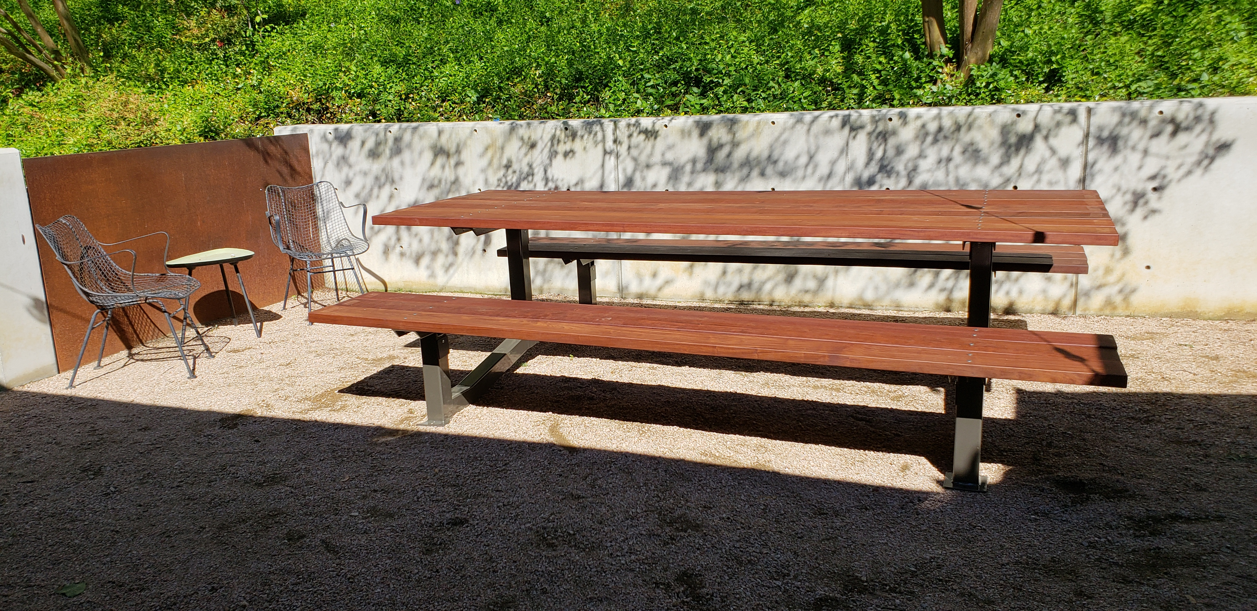 Outdoor Modern Style Ipe Picnic Table