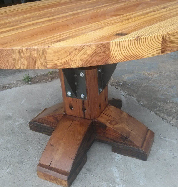products_round_farmhouse_table1